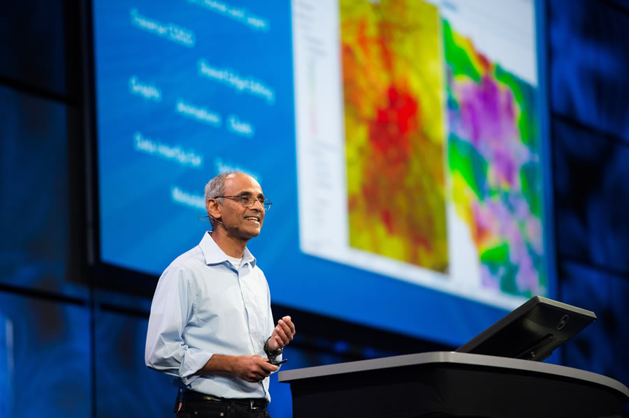 Sud Menon, director of software development at Esri, spoke about how the ArcGIS platform is evolving to handle big data, real-time data, drone imagery, and the network of objects known as the Internet of Things (IoT).