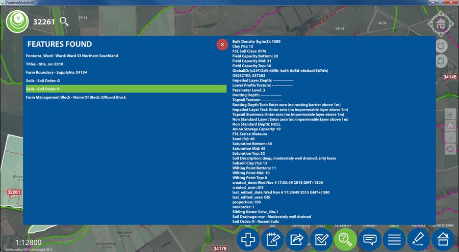 The Identify tool window displays the attributes of an on-farm soil block.