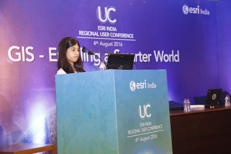 Mahika gives a presentation about her History of India story map to the audience at the Esri India Regional User Conference.
