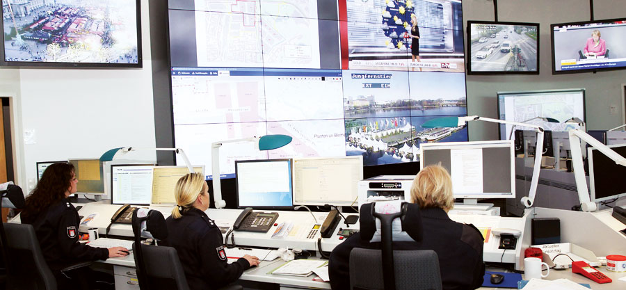 For a recent meeting of the Ministerial Council of the Organization for Security and Co-operation in Europe (OSCE) in Hamburg, local police officers worked with federal agencies using a shared geoplatform so that people at every level of the command structure could access information in real time.