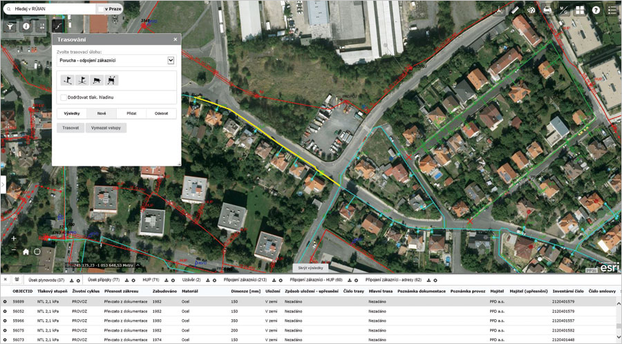Pražská Plynárenská (PP) employees can use the new GIS to do advanced network analysis, such as tracing.