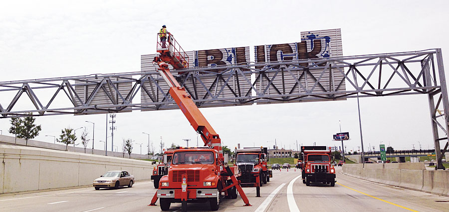 Cleaning graffiti off signs at large freeway interchanges posed complex traffic problems. But using GIS in the planning process enabled the Michigan Department of Transportation (MDOT) to better coordinate its operations and minimize traffic disturbances.