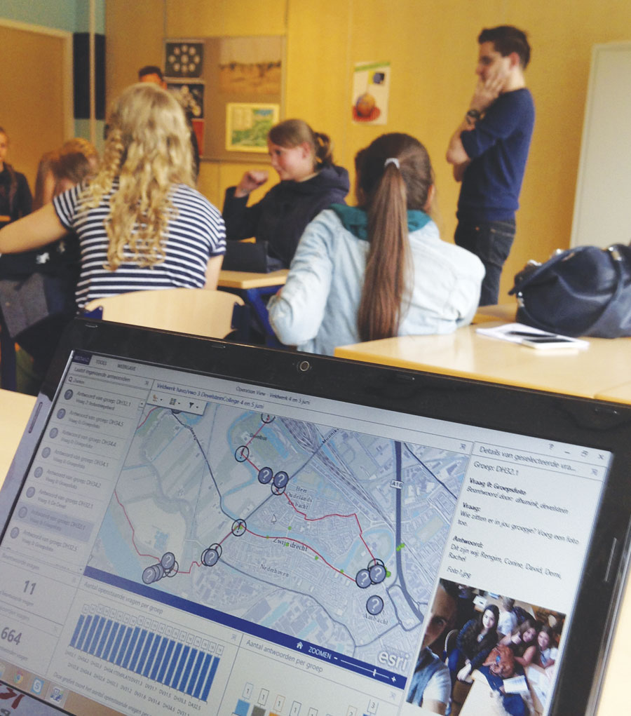 Hunink's students say they prefer using the Topografie in de Klas website for studying topography.