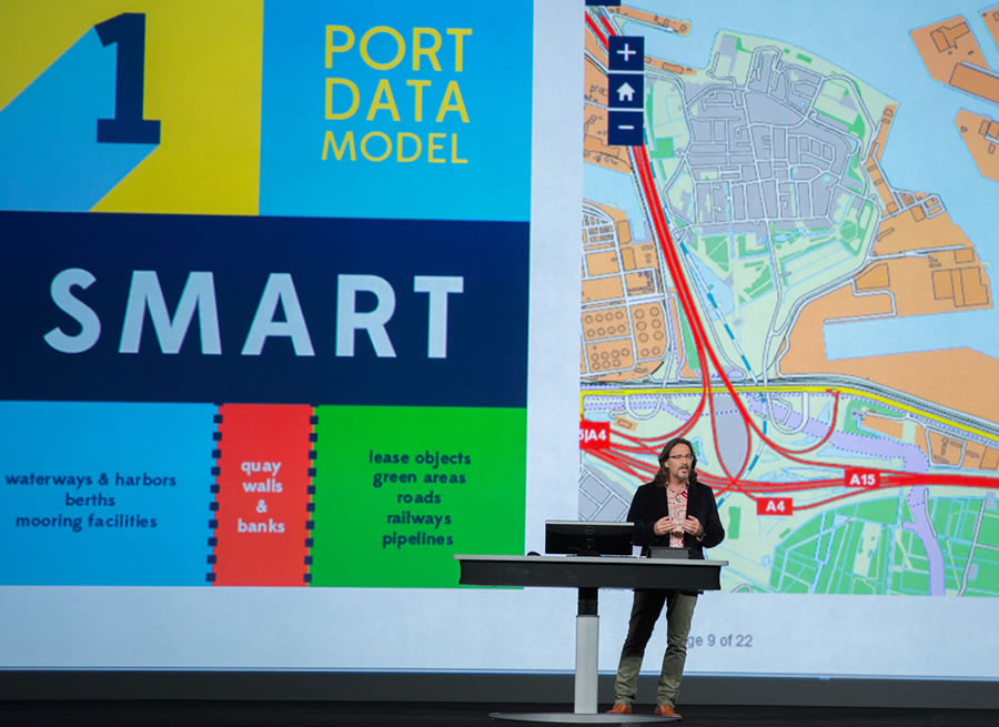 rwin Rademaker from the Port of Rotterdam explained the secret of PortMaps' success: simplicity.