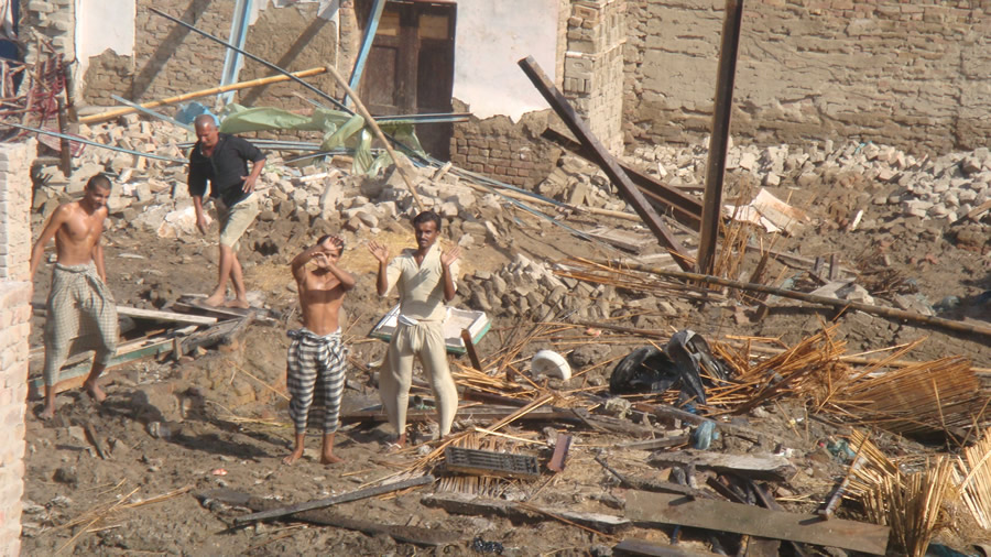 Many people lost their homes and needed assistance, including food from the WFP.