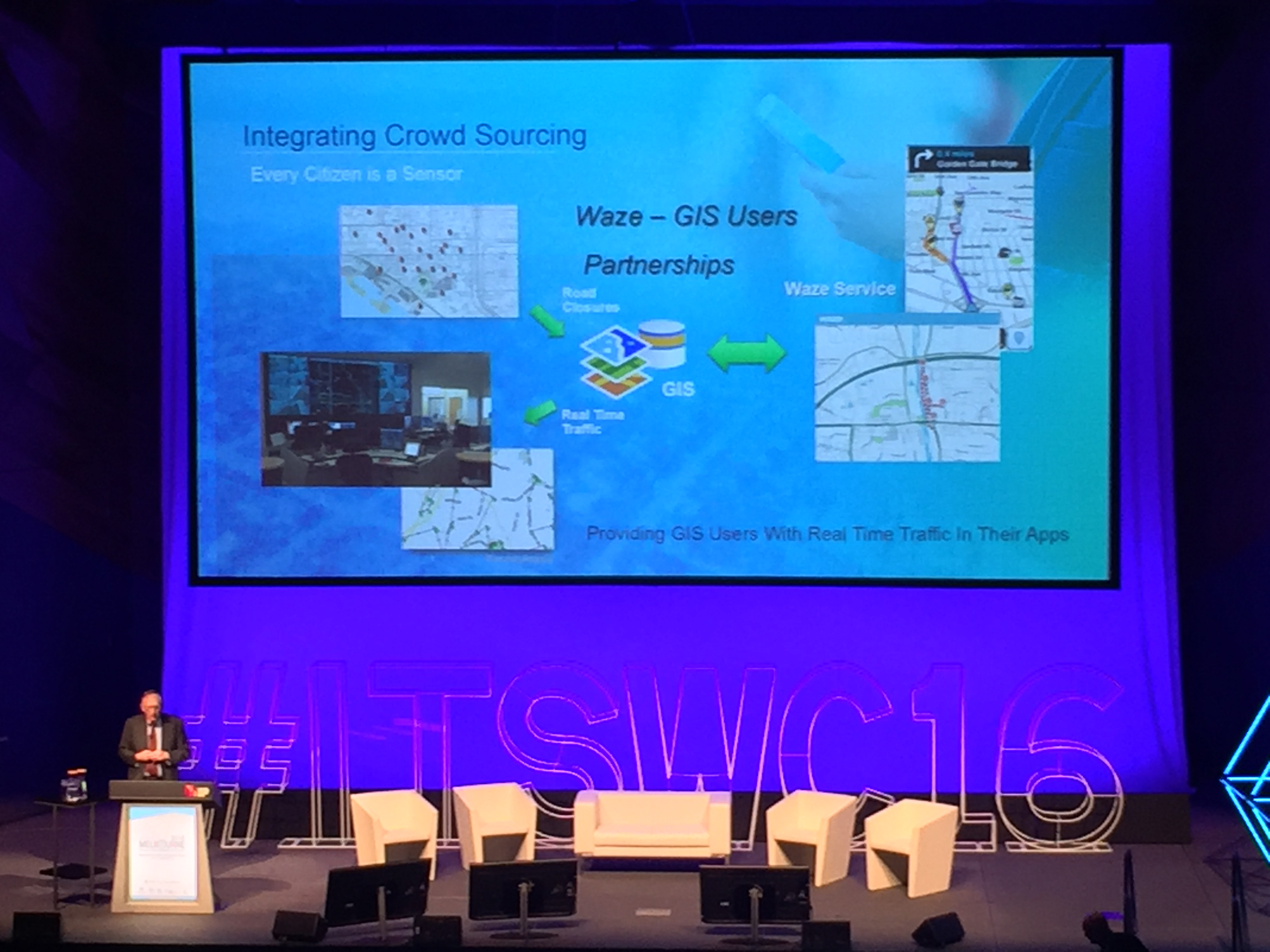 Integrating Waze with ArcGIS through the Connected Citizens