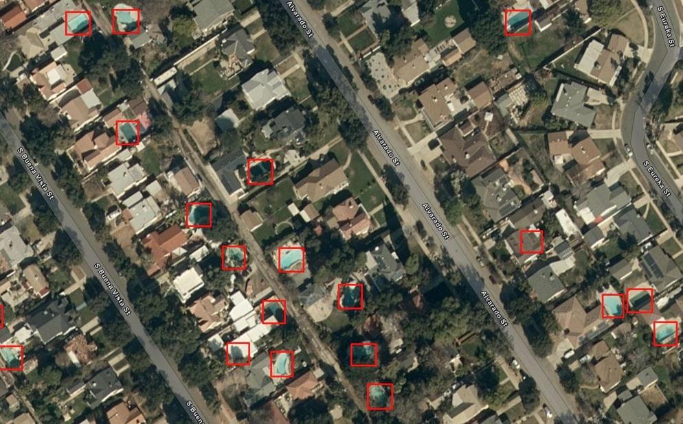 Detected swimming pools in Redlands, CA