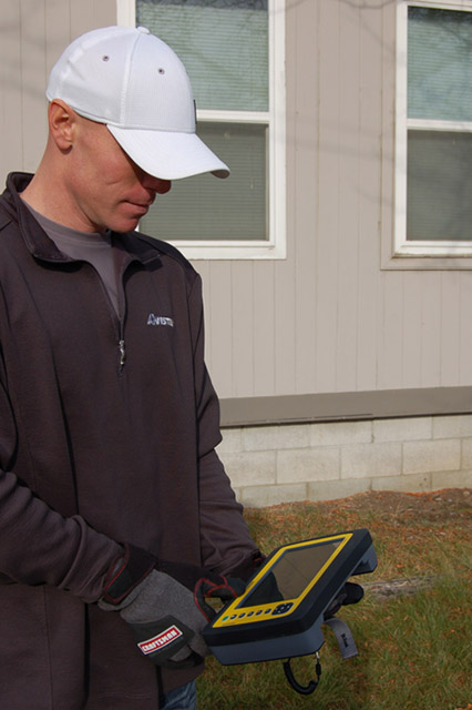 The leak survey app helps field-workers survey more than 7,500 miles of natural-gas distribution pipeline by using a ruggedized mobile device.