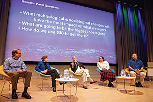 Senior NOAA adviser David McKinnie, renowned oceanographer Sylvia Earle, Aquarium of the Pacific president and CEO Jerry Schubel, Esri chief scientist Dawn Wright, and Woods Hole Oceanographic Institute special projects director David Gallo discussed the role of GIS in ocean study and preservation.