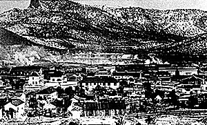 Santa Rita, New Mexico, in 1919 with copper mine in the background.