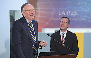 LA Mayor Eric Garcetti announced the launch of GeoHub. Esri president Jack Dangermond described the vision he and Garcetti share for bringing innovation to the city.