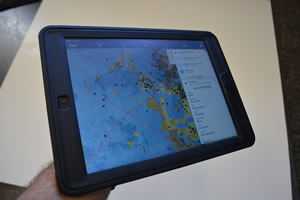 The Arizona State Land Department deploys maps on tablets.